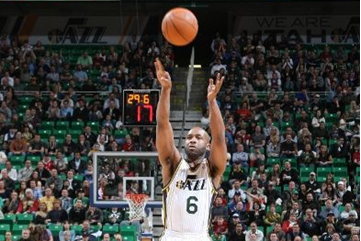 2012 NBA Playoffs: Utah Jazz's Jamaal Tinsley Helping Lead Push for Playoffs