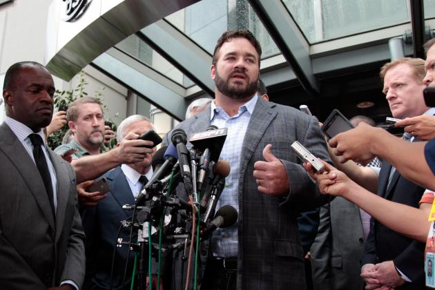 Jeff Saturday Signs with Green Bay, Will Not Affect Packers' Draft Plans