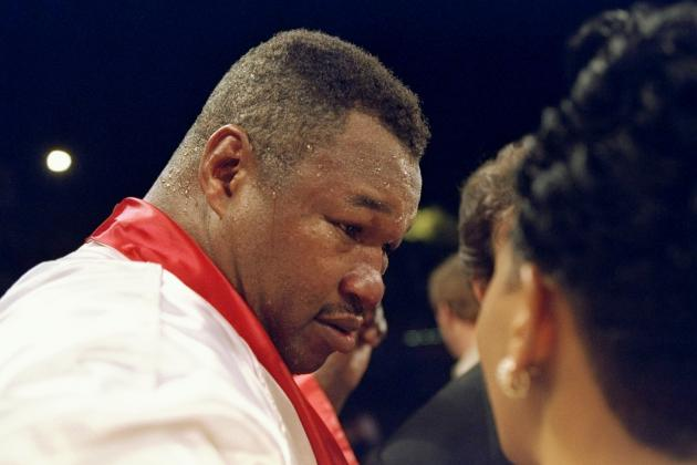 Larry Holmes Declares Mayweather Jr. Is a 'Little Too Scared'