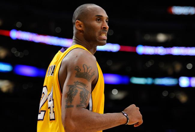 Kobe Bryant scored 11 points in the third quarter and led the Lakers comeback.