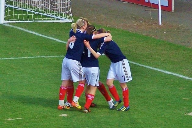 Women's Soccer: Scots & Swedes Serve Up 6 Goal Stunner in WU17