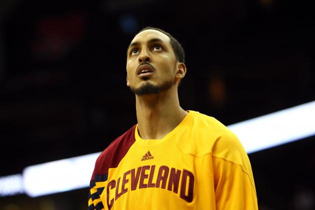 Ryan Hollins Won't Help the Boston Celtics