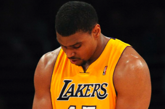 Andrew Bynum: LA Lakers Center's New Injury Should Be Cause for Concern