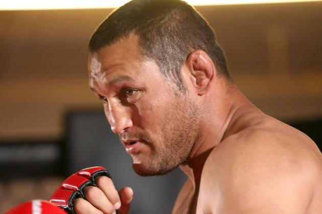 Dan Henderson Feels Jon Jones Will Be Unable to Stop Rashad Evans' Takedowns