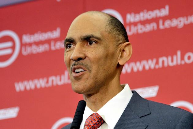 Dungy Visits Gophers