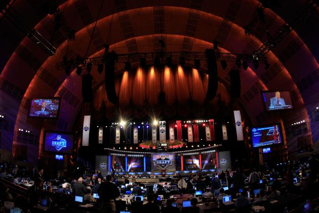 Chicago Bears Mock Draft 2012: Who Are the Experts Projecting to the Bears?
