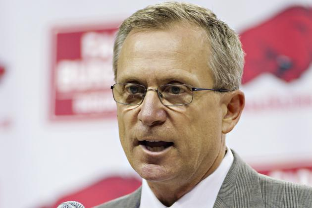 Arkansas Football: Stick with Taver Johnson, Don't Make Things Worse
