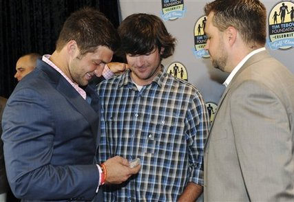 Bubba Gives Tebow a Masters Gift