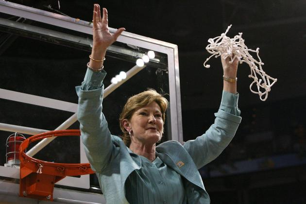 Pat Summitt Named Head Coach Emeritus, Will Step Away from Tennessee Sidelines