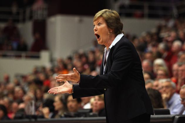 Pat Summitt Steps Down as Tennessee Volunteers Head Coach