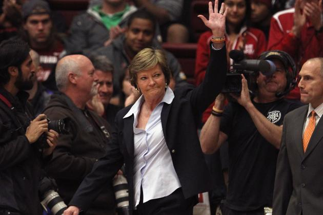 Pat Summitt Retires: Despite Dementia, Legendary UT Coach Still Has Role to Play