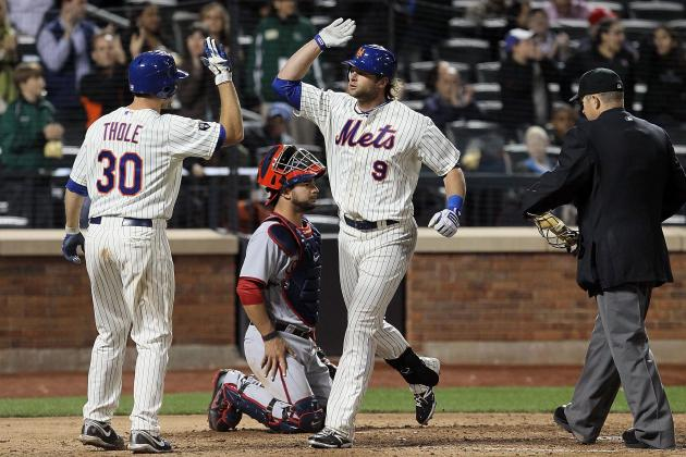 Kirk Nieuwenhuis Is a Hit for the New York Mets, so Learn to Spell His Name