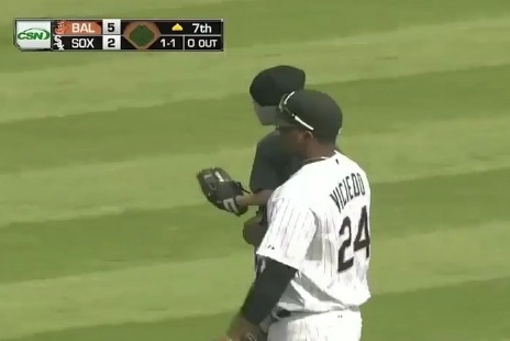 Dayan Viciedo Catches Fly Balls and Little Kids in Chicago White Sox Outfield