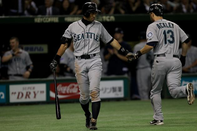 Seattle Mariners: Should Dustin Ackley and Ichiro Switch Spots in the Lineup?