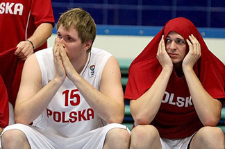 Breaking News:  Duke Begging for Polish Big Man