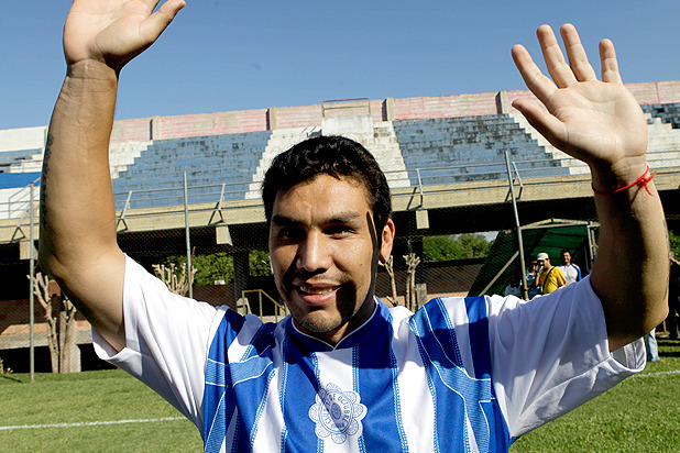 Feel-Good Story of the Week: Salvador Cabañas Returns to World Football