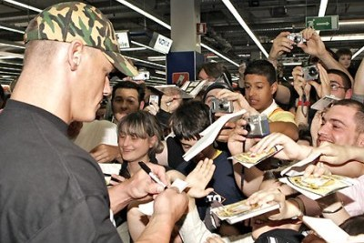 8 Things to Avoid Doing When You Meet a Wrestler: A Casual Fan's Guide