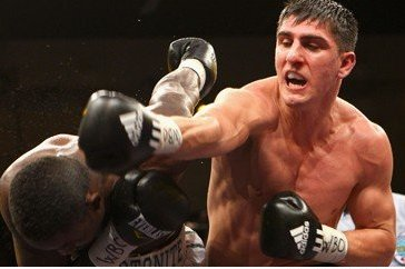 Breaking News: Marco Huck-Ola Afolabi Fight to a Draw in Cruiserweight Slugfest
