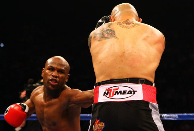 Mayweather lands against Cotto.
