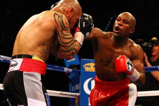 Floyd Mayweather Jr. Serves Whiskey Instead of Wine in Victory over Cotto