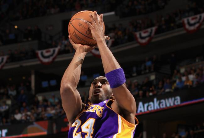 Kobe Bryant led all scorers with 22 points.