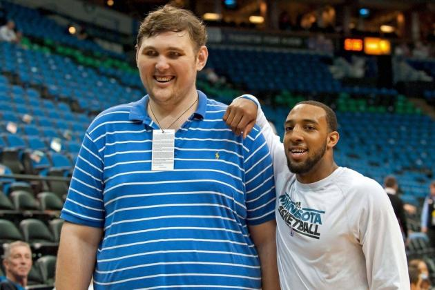 World Tallest Man Makes NBA Player Look Like a Middle Schooler