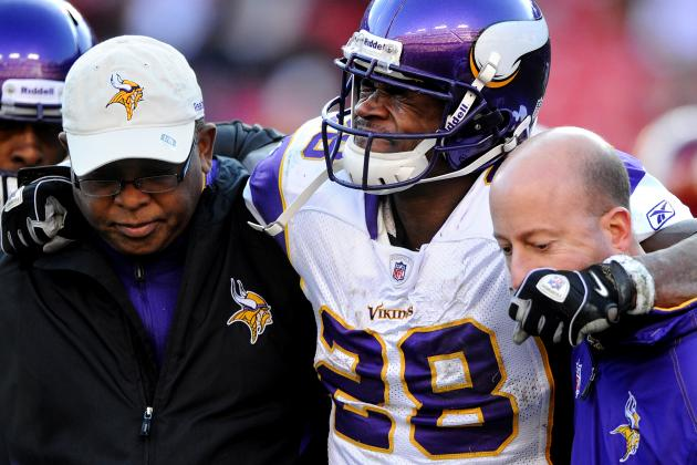 Vikings' Trainer Cautious on Adrian Peterson's Return