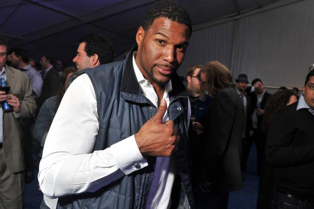 Michael Strahan Live with Kelly: Former Giants Star Is Perfect for Daytime TV