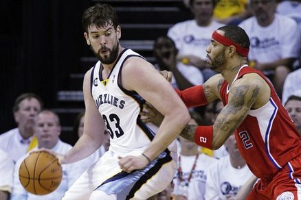 The Microscope: Diagnosing the Grizzlies' Late-Game Struggles (and More)