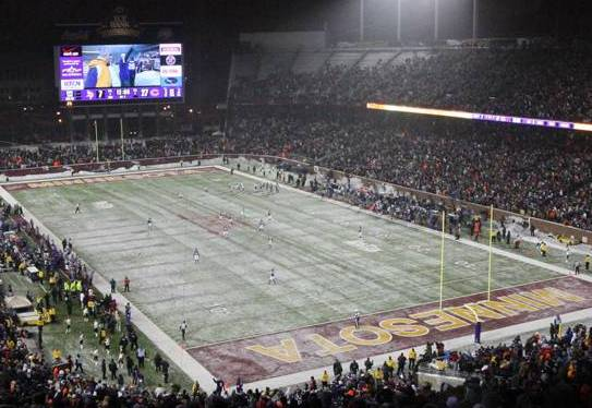 Vikings Agree to Play at TCF Bank Stadium