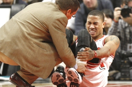 Report: Derrick Rose Will Be out for 8-12 Months or More