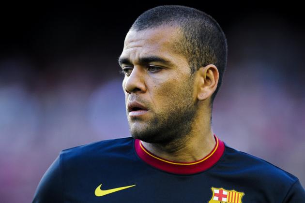 FC Barcelona: Dani Alves out of Copa Del Rey with Fractured Clavicle