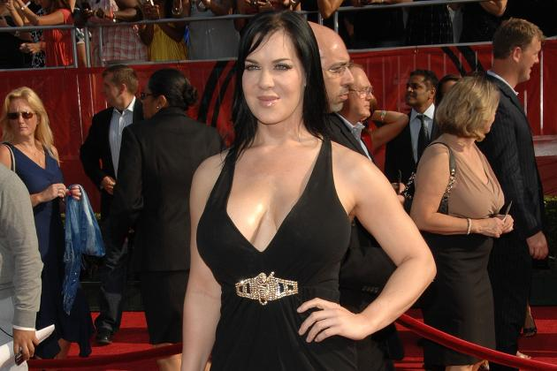 Chyna Hospitalized: Former WWE Diva Continues to Be Her Own Worst Enemy