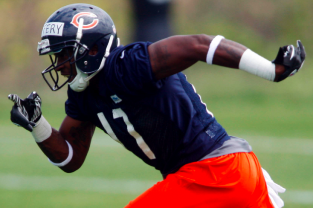 Sources Close to Bears Predict Jeffery Won't Pass Hester on Depth Chart