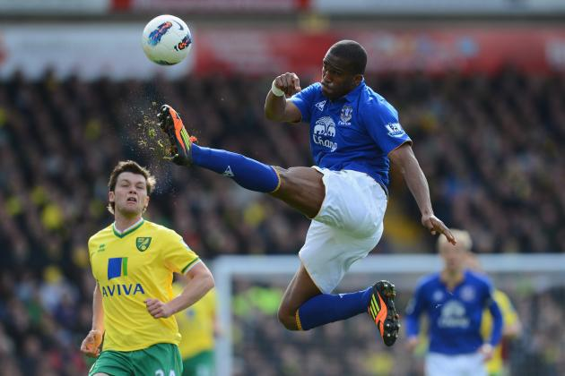 Everton Sign Sylvain Distin to a One-Year Contract