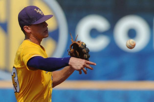 LSU Baseball: Tigers' NCAA Tournament Hopes Hanging on Thread After Loss