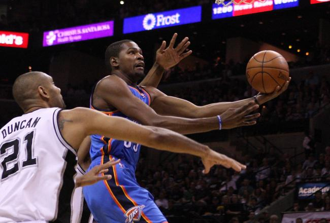 Kevin Durant glides in with two of this game-high 13 first half points.