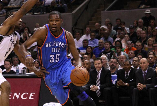 Kevin Durant has a game high 15 points.