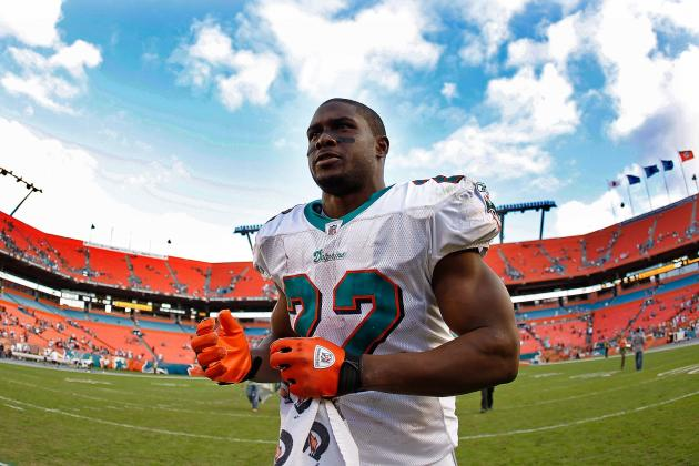 Reggie Bush: Game-by-Game Predictions for Miami Dolphins RB in 2012
