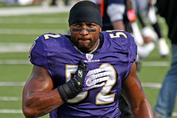 Ravens LB Ray Lewis Has Managed to Stay Competitive, Even at Age 37