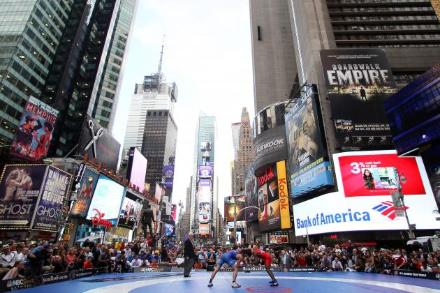 London 2012: USA Wrestling Meets Russia in Times Square in Olympic Tune-Up