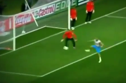 Euro 2012: Watch Wesley Sneijder Score an Incredible Goal in Holland Training