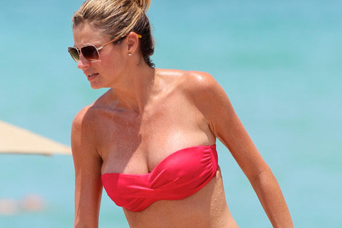 Erin Andrews Bikini Pics Start Rumor Mill at TMZ