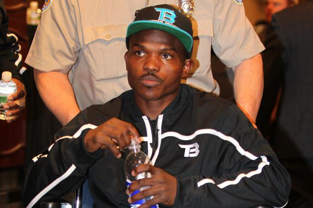 Pacquiao vs Bradley: Timothy Bradley Stuck in Oddest Position in Boxing History