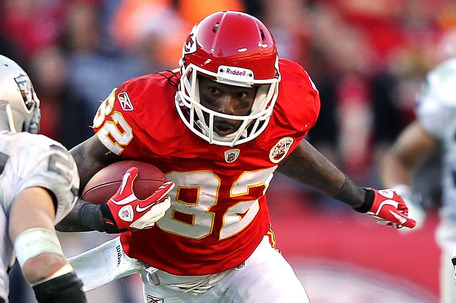 Kansas City Chiefs' Receiver Dwayne Bowe Hurting Himself with Holdout