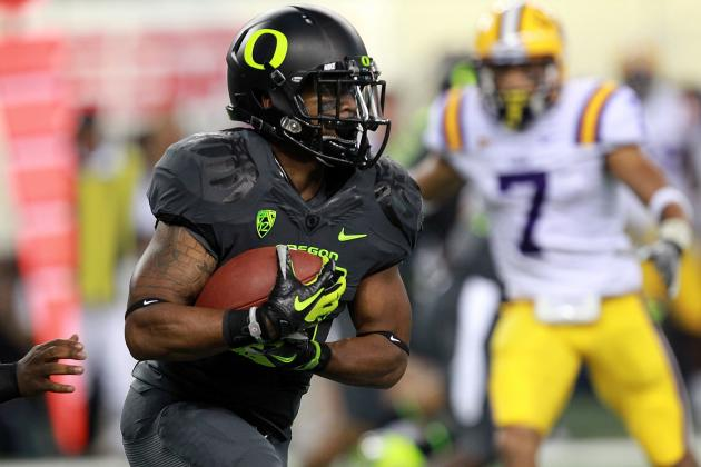 Oregon Football: Ducks Uniforms; Innovative or Embarrassing?