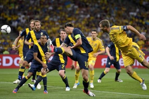 Euro 2012: Sweden Draws Fire from Prime Minister over Naked Training Game