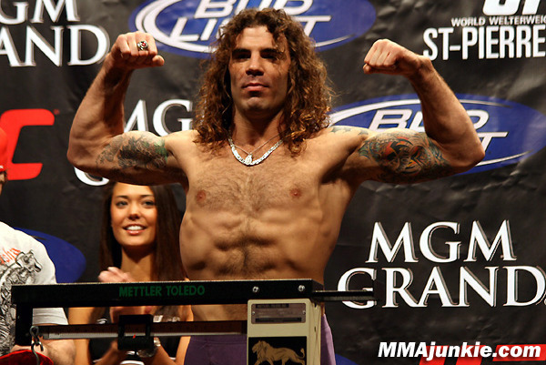 UFC's Clay Guida Will Braid Hair Following Complaint from Gray Maynard