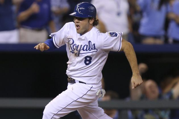 Moustakas' Throw Saves Royals in Win vs. Cards