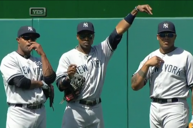Double Switch Confuses Yankees Outfielders: Video